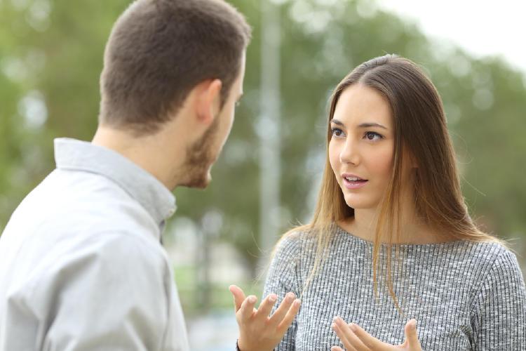 conversacion-pareja-discusion.jpg