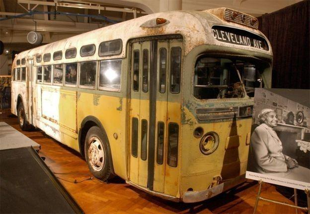 Autobus donde Rosa Parks se negó a cederle su asiento a una persona blanca
