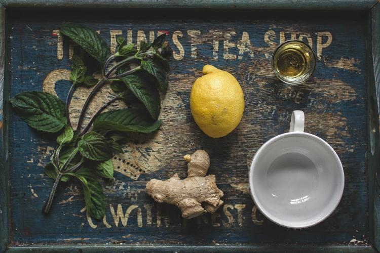 Limón ≫ Beneficios, propiedades ¿Es bueno en ayunas?