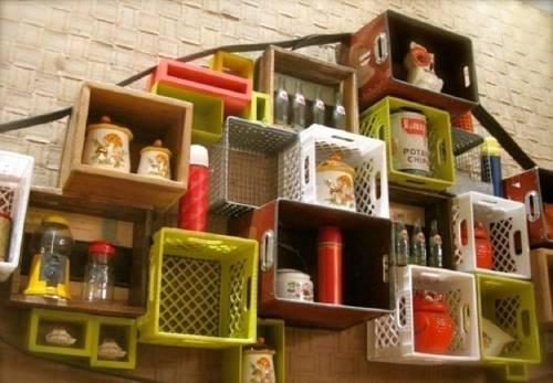 Cómo amueblar tu casa reciclando cajones plásticos de cerveza